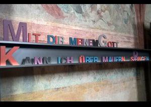Schreiben mit Holbuchstaben - Über Mauern - Christine Danzer - go 4j esus