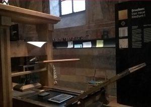 """Guttenberg - Druckerpresse - Ausstellung """"Das Buch"""" Christine Danzer - go 4 jesus -"""
