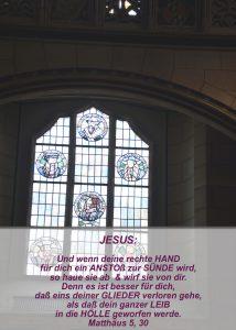 Wittenberg - Schlosskirche - Reformatoren Glasfenster - Christine Danzer - go 4 jesus - Matthäus 5,30- Bibel